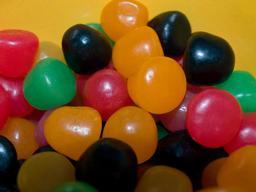 Bonbons de toutes les couleurs. Source : http://data.abuledu.org/URI/52009c12-bonbons-de-toutes-les-couleurs