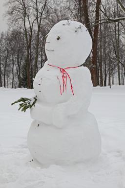 Bonhomme de neige. Source : http://data.abuledu.org/URI/5415e0a7-bonhomme-de-neige