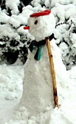 Bonhomme de neige au Danemark. Source : http://data.abuledu.org/URI/513ee9d5-bonhomme-de-neige-au-danemark