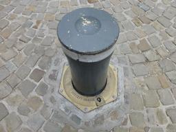 Borne de ville. Source : http://data.abuledu.org/URI/57169f00-borne-de-ville