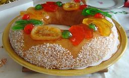 Brioche des Rois aux fruits confits. Source : http://data.abuledu.org/URI/522eec72-brioche-des-rois-aux-fruits-confits