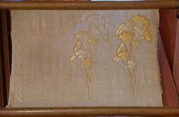 Broderies au musée de l'école de Nancy. Source : http://data.abuledu.org/URI/5818efef-broderies-au-musee-de-l-ecole-de-nancy