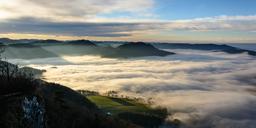 Brume sur la vallée du Danube. Source : http://data.abuledu.org/URI/551ecea8-brume-sur-la-vallee-du-danube