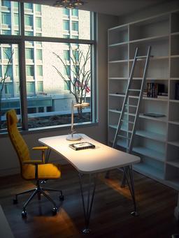 Bureau en cours d'aménagement. Source : http://data.abuledu.org/URI/5319e36b-bureau-en-cours-d-amenagement