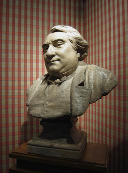 Buste d'Ernest Renan. Source : http://data.abuledu.org/URI/52b214aa-buste-d-ernest-renan