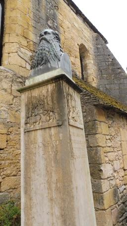 Buste d'Eugène Le Roy à Montignac-24. Source : http://data.abuledu.org/URI/5994dd3e-buste-d-eugene-le-roy-a-montignac-24