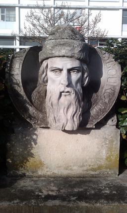 Buste de Gutenberg. Source : http://data.abuledu.org/URI/5187fd6b-buste-de-gutenberg