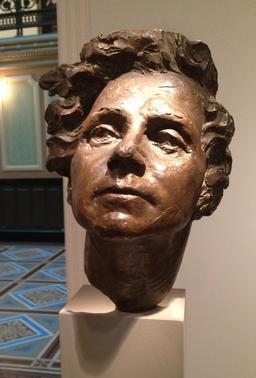 Buste de Rachel Carson en 1965. Source : http://data.abuledu.org/URI/53848d8a-buste-de-rachel-carson-en-1965