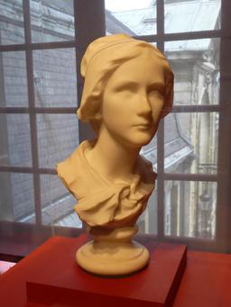 Buste en marbre de Charlotte Corday. Source : http://data.abuledu.org/URI/52b213df-buste-en-marbre-de-charlotte-corday
