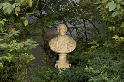 Buste Montesquieu. Source : http://data.abuledu.org/URI/50c37ecb-buste-montesquieu