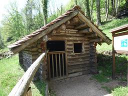Cabane de charbonnier en Haute-Saône. Source : http://data.abuledu.org/URI/54a517f8-cabane-de-charbonnier-en-haute-saone