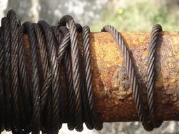 Câble de treuil. Source : http://data.abuledu.org/URI/50e63759-cable-de-treuil