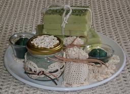 Cadeaux au crochet. Source : http://data.abuledu.org/URI/531c283e-cadeaux-au-crochet