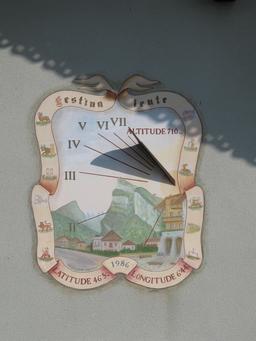 Cadran solaire en Haute-Savoie. Source : http://data.abuledu.org/URI/5512788b-cadran-solaire-en-haute-savoie