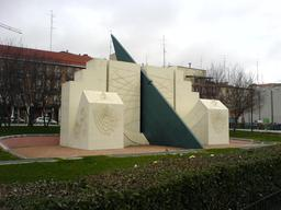 Cadrans solaires et lunaires à Madrid. Source : http://data.abuledu.org/URI/524c5980-cadrans-solaires-et-lunaires-a-madrid