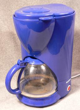 Cafetière. Source : http://data.abuledu.org/URI/51278a14-cafetiere