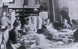 Cageots de fruits confits. Source : http://data.abuledu.org/URI/502980c2-cageots-de-fruits-confits