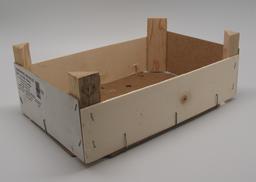 Cagette à mandarines en bois vide. Source : http://data.abuledu.org/URI/53899936-cagette-a-mandarines-en-bois-vide