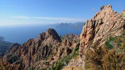 Calanques de Piana en Corse. Source : http://data.abuledu.org/URI/530c8d84-calanques-de-piana-en-corse