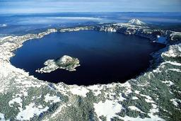 Caldeira du lac Orégon. Source : http://data.abuledu.org/URI/508d1fd9-caldeira-du-lac-oregon