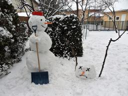Calvin et Hobbes en hiver. Source : http://data.abuledu.org/URI/55cdda98-calvin-et-hobbes-en-hiver