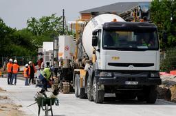 Camion malaxeur de béton. Source : http://data.abuledu.org/URI/51de4a7b-camion-malaxeur-de-beton