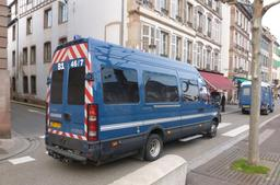 Camionnette de gendarmerie. Source : http://data.abuledu.org/URI/53343c8e-camionnette-de-gendarmerie