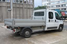 Camionnette de transport en Pologne. Source : http://data.abuledu.org/URI/53344297-camionnette-de-transport-en-pologne
