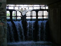 Canal de Montech. Source : http://data.abuledu.org/URI/51bad4cf-canal-de-montech