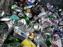 Canettes à recycler. Source : http://data.abuledu.org/URI/582e4c14-canettes-a-recycler