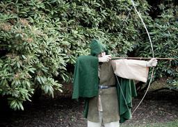 Capuche de Robin des Bois. Source : http://data.abuledu.org/URI/504374e3-capuche-de-robin-des-bois