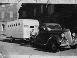 Caravane de 1937. Source : http://data.abuledu.org/URI/50323144-caravane-de-1937