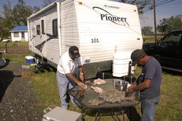 Caravane en Louisiane. Source : http://data.abuledu.org/URI/5329d658-caravane-en-louisiane