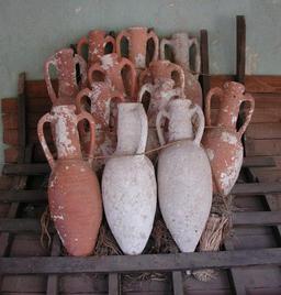 Cargaison d'amphores. Source : http://data.abuledu.org/URI/51db4ca6-cargaison-d-amphores