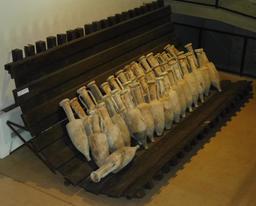 Cargaison d'amphores gallo-romaines à Lattes. Source : http://data.abuledu.org/URI/58d4c325-cargaison-d-amphores-gallo-romaines-a-lattes