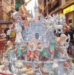 Carnaval 2006 de Valence. Source : http://data.abuledu.org/URI/51f042e0-carnaval-2006-de-valence