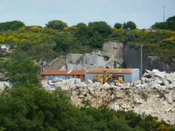 Carrière de Brennilis dans le Finistère. Source : http://data.abuledu.org/URI/56d553b4-carriere-de-brennilis-dans-le-finistere
