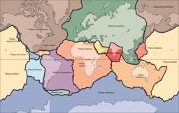 Carte des plaques continentales. Source : http://data.abuledu.org/URI/5094e1fd-carte-des-plaques-continentales