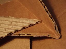 Carton plié. Source : http://data.abuledu.org/URI/50197443-carton-plie