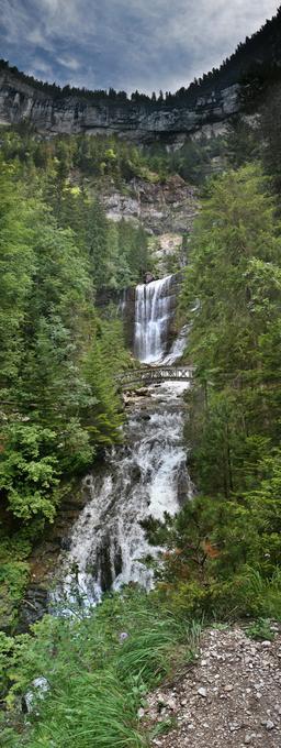 Cascade de Guiers vif. Source : http://data.abuledu.org/URI/53837f5f-cascade-de-guiers-vif