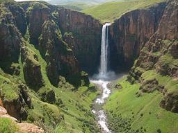 Cascade de Maletsunyane. Source : http://data.abuledu.org/URI/501e30c1-cascade-de-maletsunyane