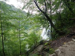 Cascade du parc national de Plitvice en Croatie. Source : http://data.abuledu.org/URI/5561839e-cascade-du-parc-national-de-plitvice-en-croatie