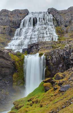 Cascade Dynjandi en Islande. Source : http://data.abuledu.org/URI/54dbca6b-cascade-dynjandi-en-islande