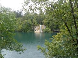 Cascade en Croatie. Source : http://data.abuledu.org/URI/5561824a-cascade-en-croatie