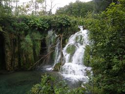 Cascade en Croatie. Source : http://data.abuledu.org/URI/55618466-cascade-en-croatie