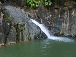Cascade en Guadeloupe. Source : http://data.abuledu.org/URI/50f718e4-cascade-en-guadeloupe