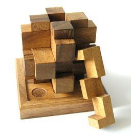 Casse-tête en bois de 1890. Source : http://data.abuledu.org/URI/533af9e2-casse-tete-en-bois-de-1890