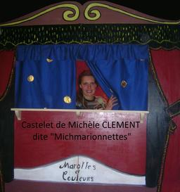 Castelet Marottes et Couleurs. Source : http://data.abuledu.org/URI/50e98c62-castelet-marottes-et-couleurs