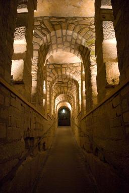 Catacombes de Paris. Source : http://data.abuledu.org/URI/5142f18b-catacombes-de-paris