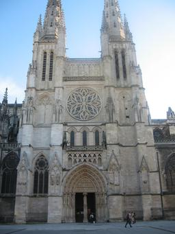 Cathédrale Saint-André de Bordeaux. Source : http://data.abuledu.org/URI/55475d07-cathedrale-saint-andre-de-bordeaux